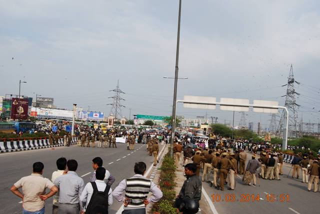 protest on national highway 3.jpg